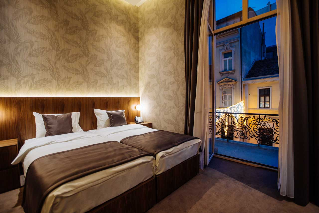 1.jpg - Deluxe Double or Twin Room with Balcony - Maison Royale Beograd