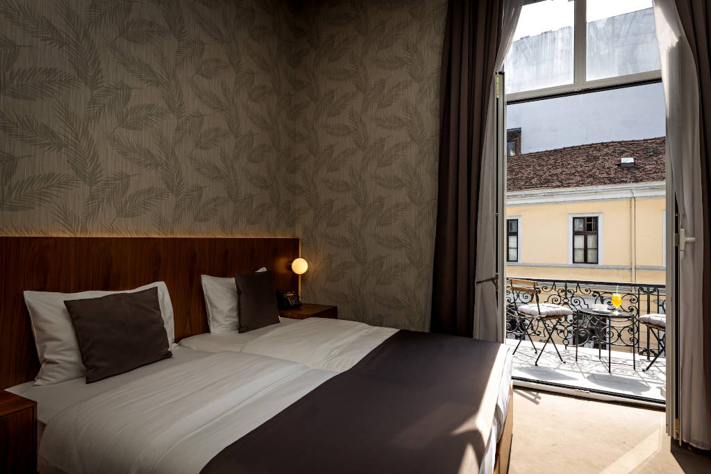 3.jpg - Deluxe Double or Twin Room with Balcony - Maison Royale Beograd