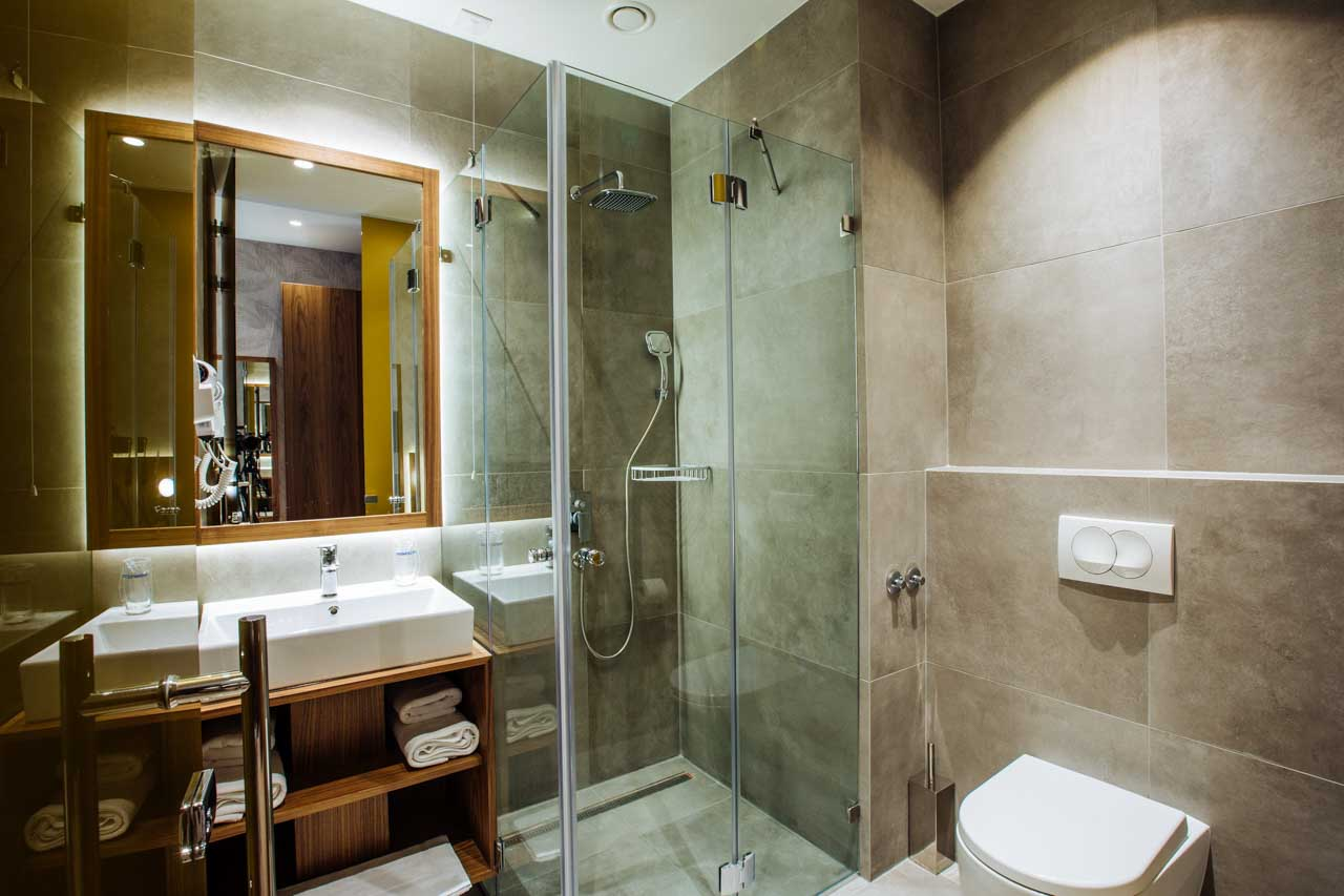 5.jpg - Deluxe Double or Twin Room with Balcony - Maison Royale Beograd